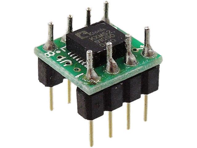 加速度センサーです。アナログのみの出力となります。電源は2.7~5.5Vで一応の動作確認がされているようです。