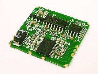 秋月電子等で販売されているRDCM-802という型番のデジタルコンパスモジュールです。